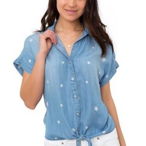 Jordache tie front camp shirt with star print